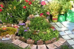 Устройство цветников на даче своими руками